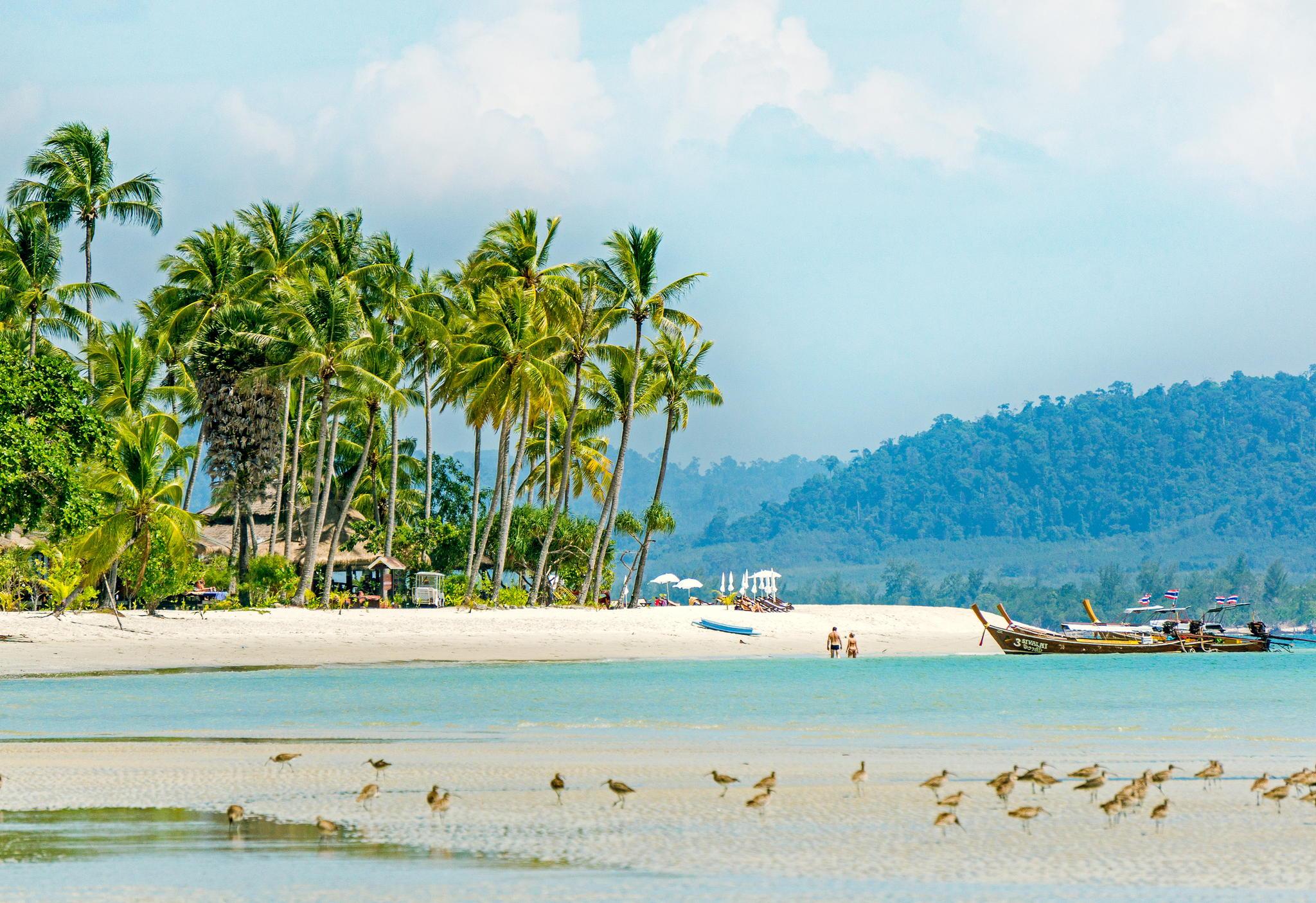 阳春三月就去泰国旅游享受董里纯自然的海岛风光