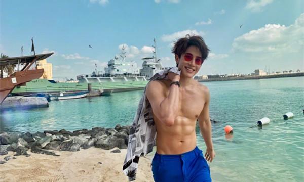 泰国男星mike海边大秀沙滩照,这身材是认真的么?